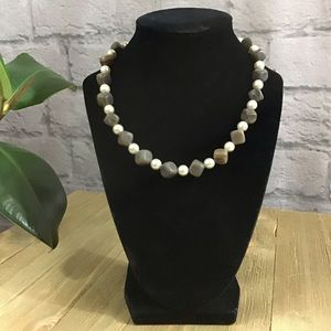 🍓SALE 3/15 Brown square bead faux pearl necklace